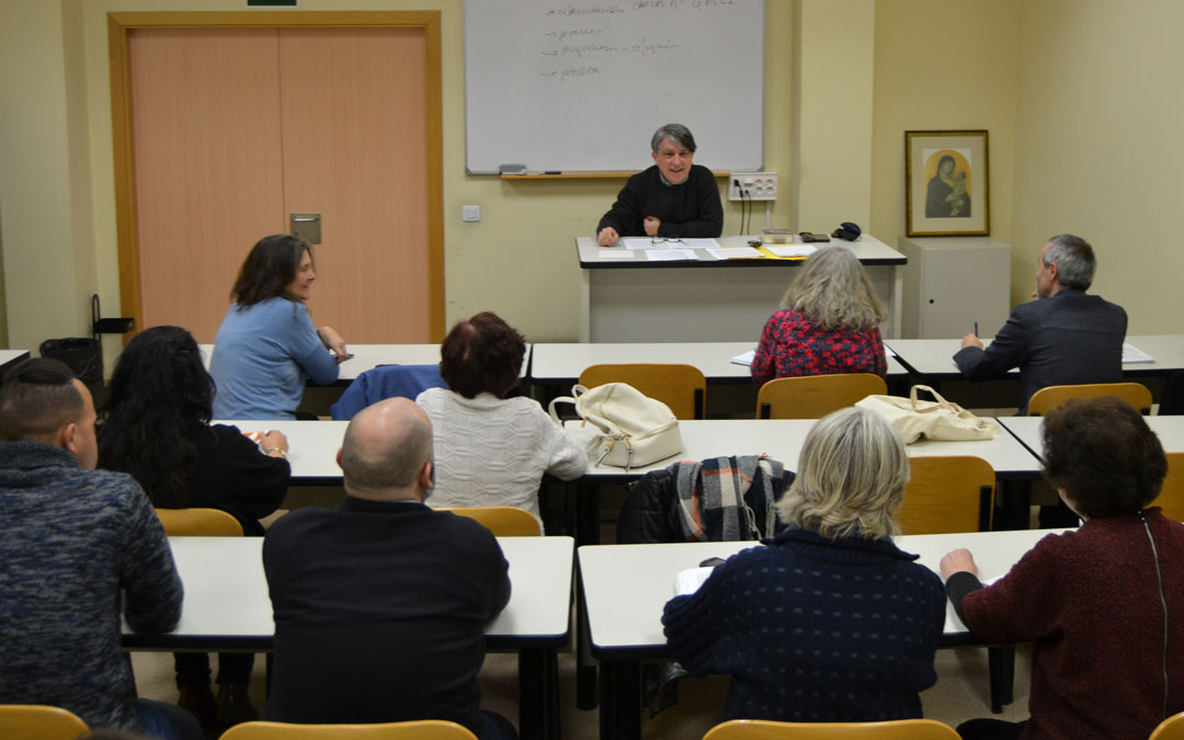 Jornada en la Universidad San Dámaso: Retos de la misión