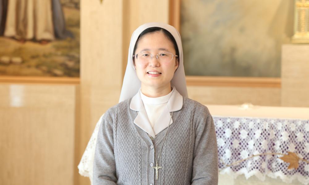 """Mª Regina, una religiosa china, a los jóvenes: """"No tengáis miedo de conocer a Jesús"""""""